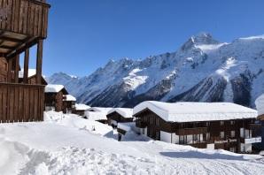 Alpine Village im Schnee