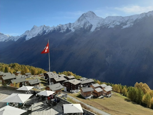 Alpine Village von der Luftseilbahn aus gesehen